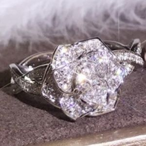Jewelry - ✨HOST PICK 🍸✨ ____ 925 Silver Flower Fashion Ring